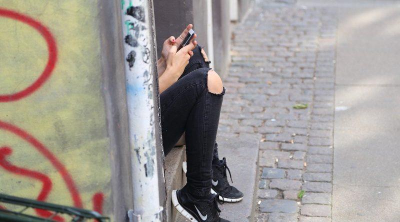 WhatsApp: el modo oscuro llega en versión beta, esta es la lista de novedades
